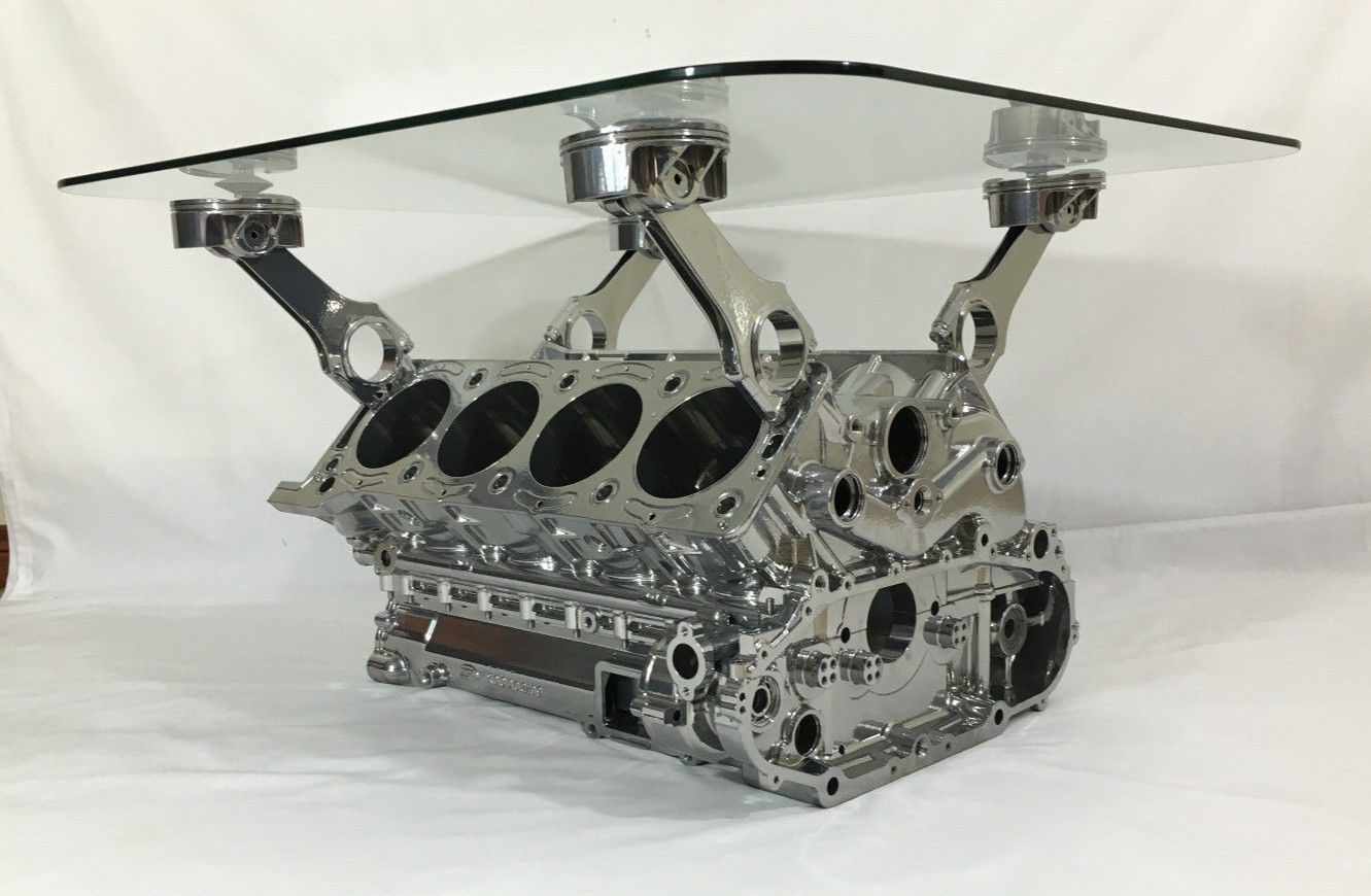 cosworth with pistons 2